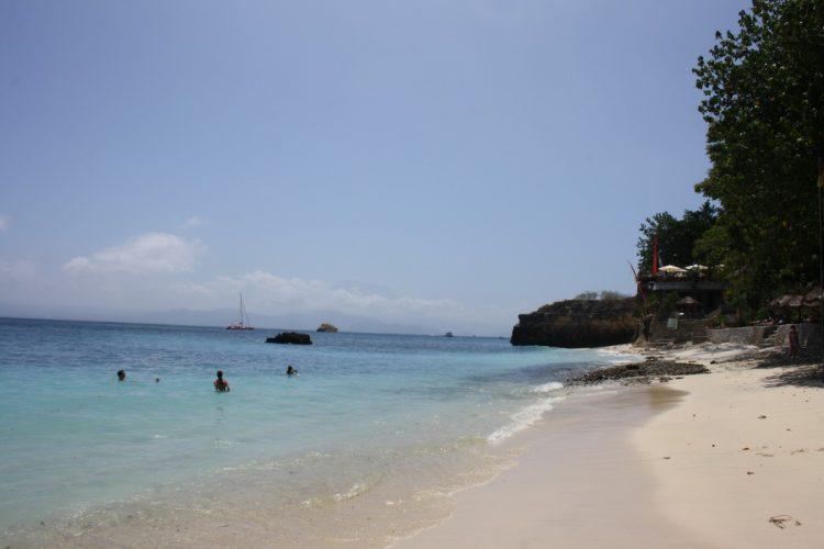 Bali-Nusa-Lembongan-beach
