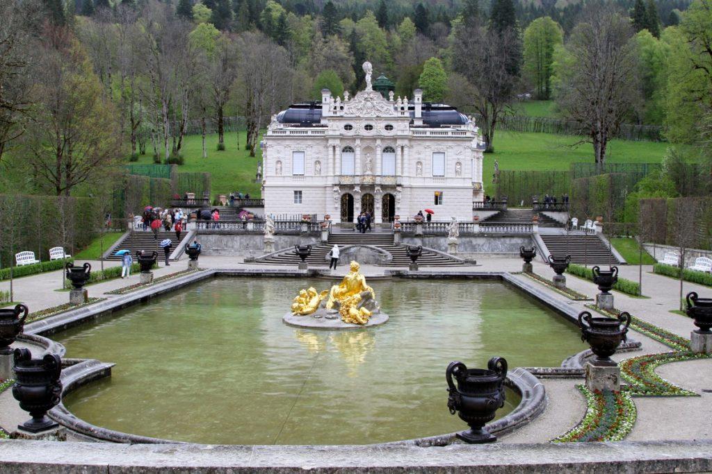 itinerario-castelli-della-baviera-in-auto-castello-Linderhof
