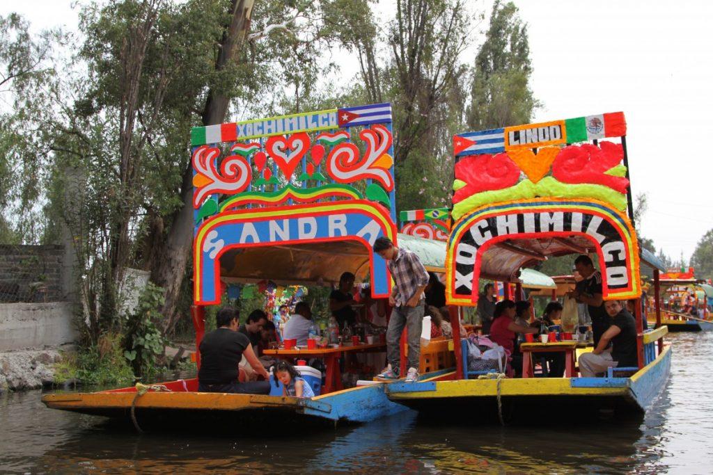 cosa-vedere-citta-del-messico-xochimilco-barche