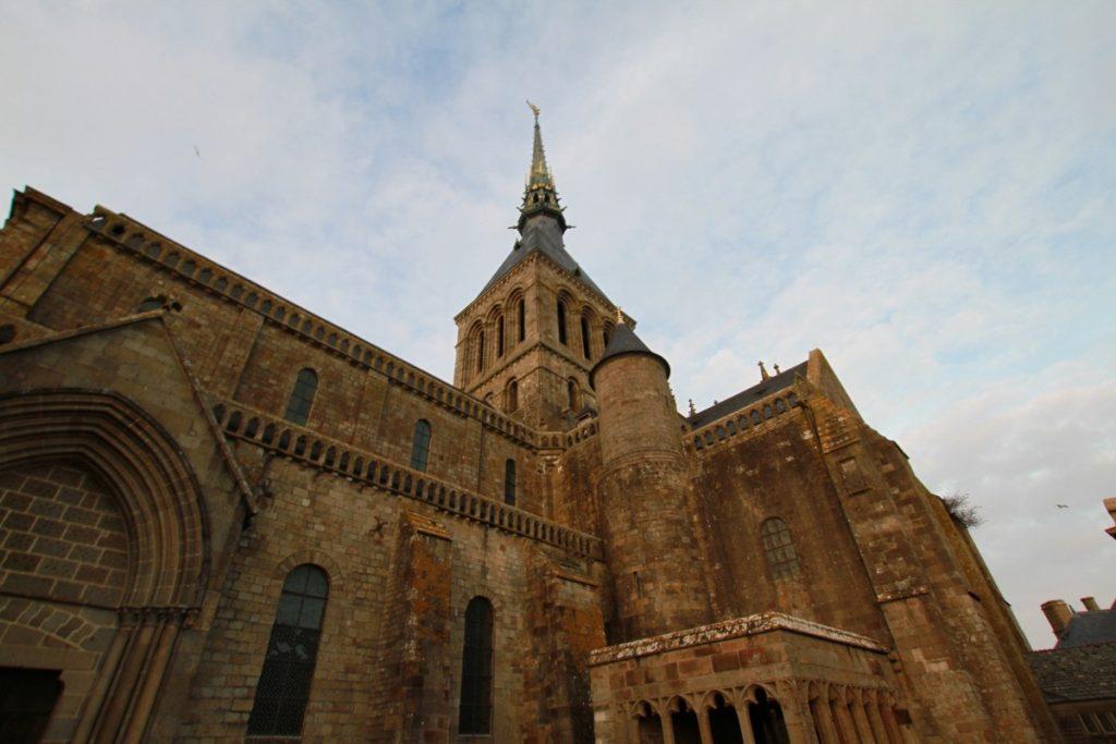 mont-saint-michel-abbazia-maree-normandia-prospettive