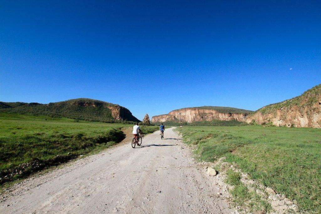 itinerario-safari-kenya-bicicletta-hells-gate