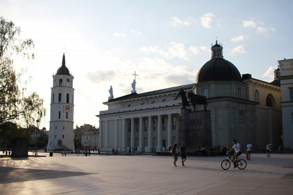 Cosa-vedere-Vilnius-piazza