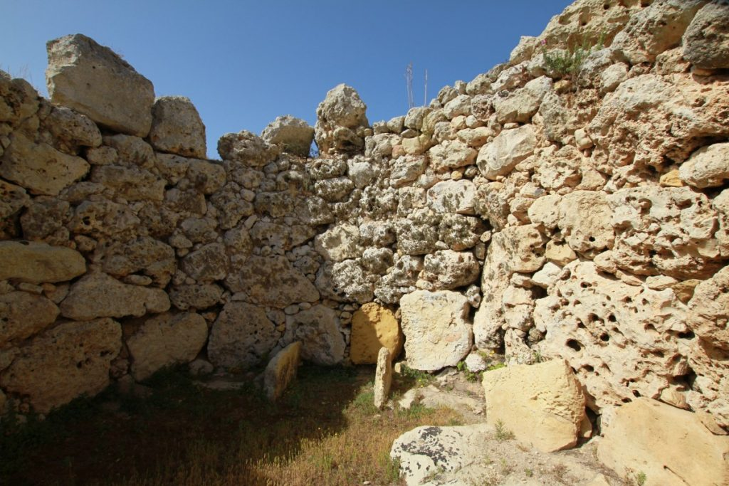 Malta-low-cost-gigantia