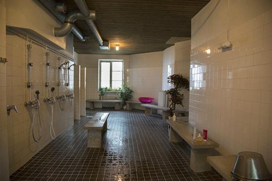 sauna-pubblica-helsinki-kotiharjun-spogliatoio