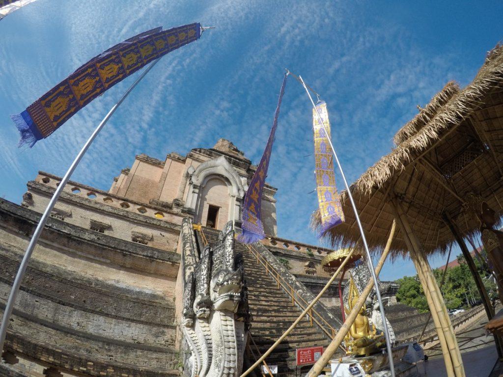 viaggio-thailandia-del-nord-wat-chedi-luang
