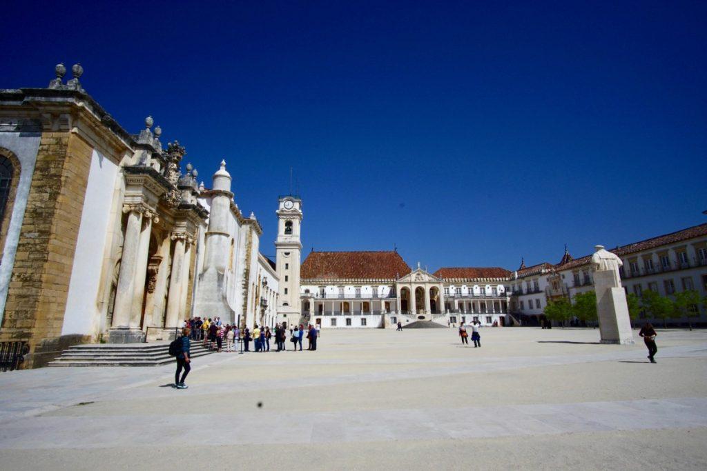 cosa-vedere-in-portogallo-itinerario-di-7-giorni-coimbra-università