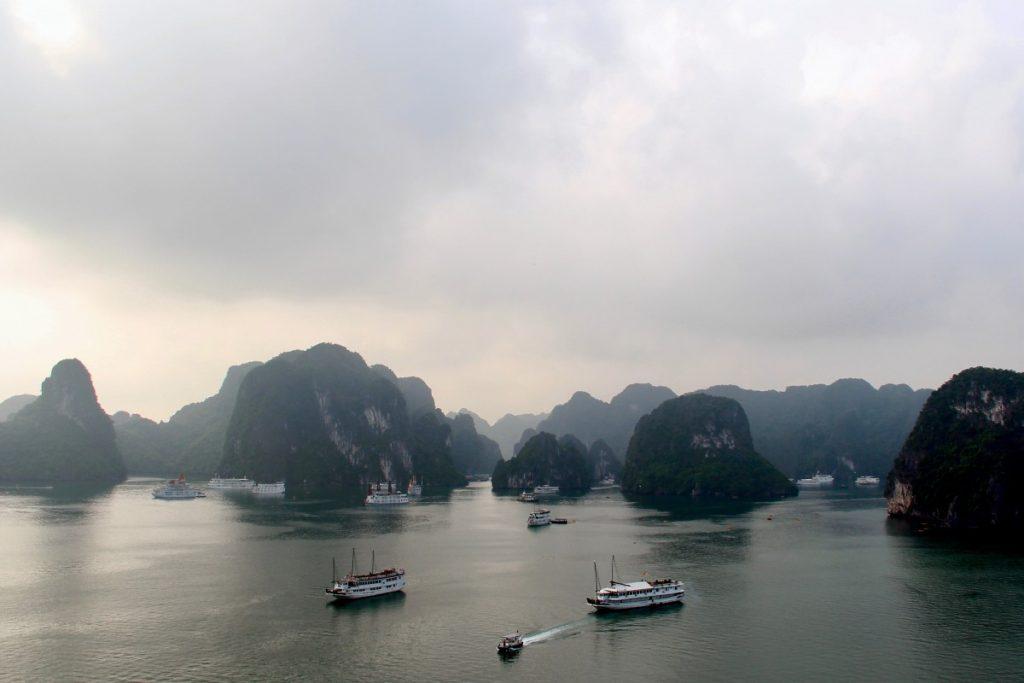vietnam-5-cose-da-vedere-halong-bay