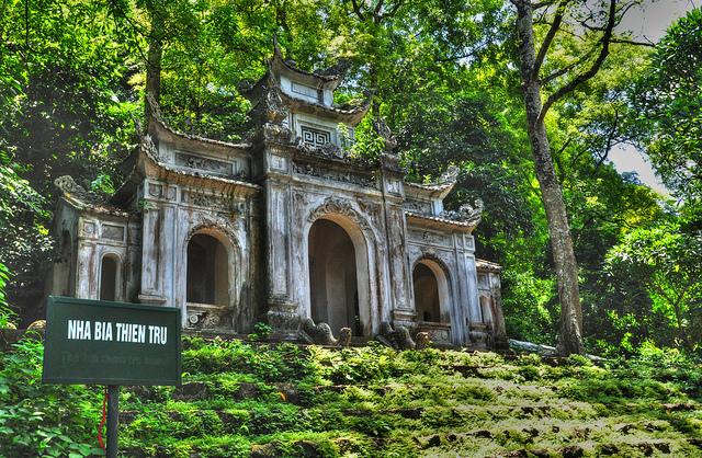 vietnam-5-cose-da-vedere-pagoda-profumi