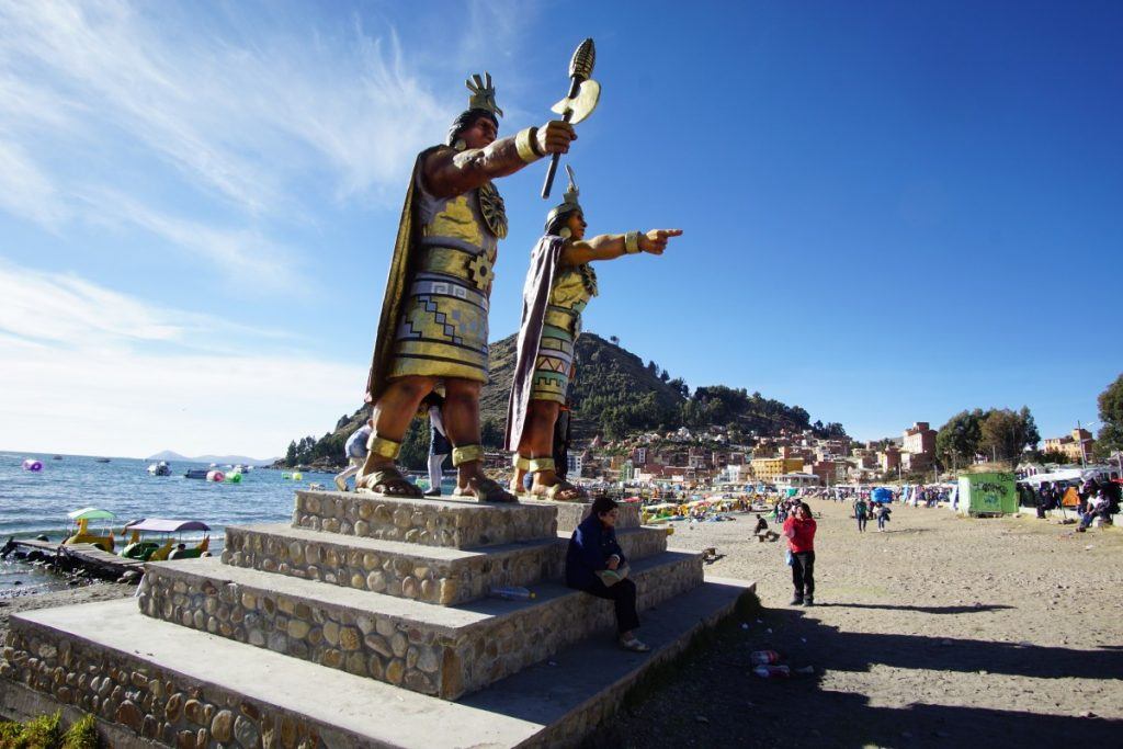 viaggio-in-bolivia-sul-lago-titicaca-spiaggia-copacabana