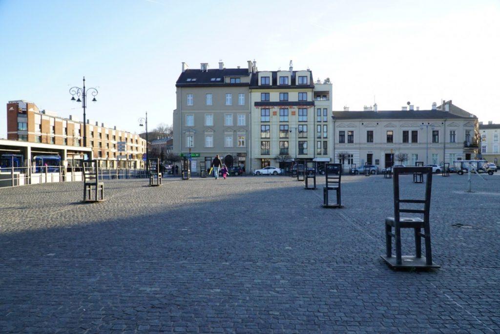cosa-vedere-a-cracovia-in-2-giorni-piazza-eroi-del-ghetto