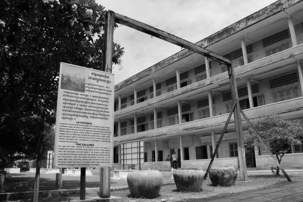 viaggio-cambogia-itinerario-10-giorni-tuol-sleng