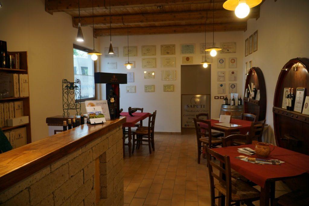 regione-marche-monti-sibillini-dove-cosa-mangiare-azineda-vitivinicola-saputi