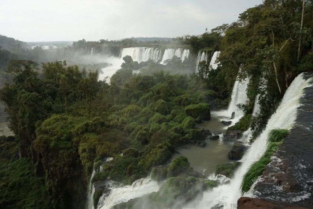 visita-alle-cascate-di-iguazu-da-entrambe-i-lati-percorso-blu-argentina
