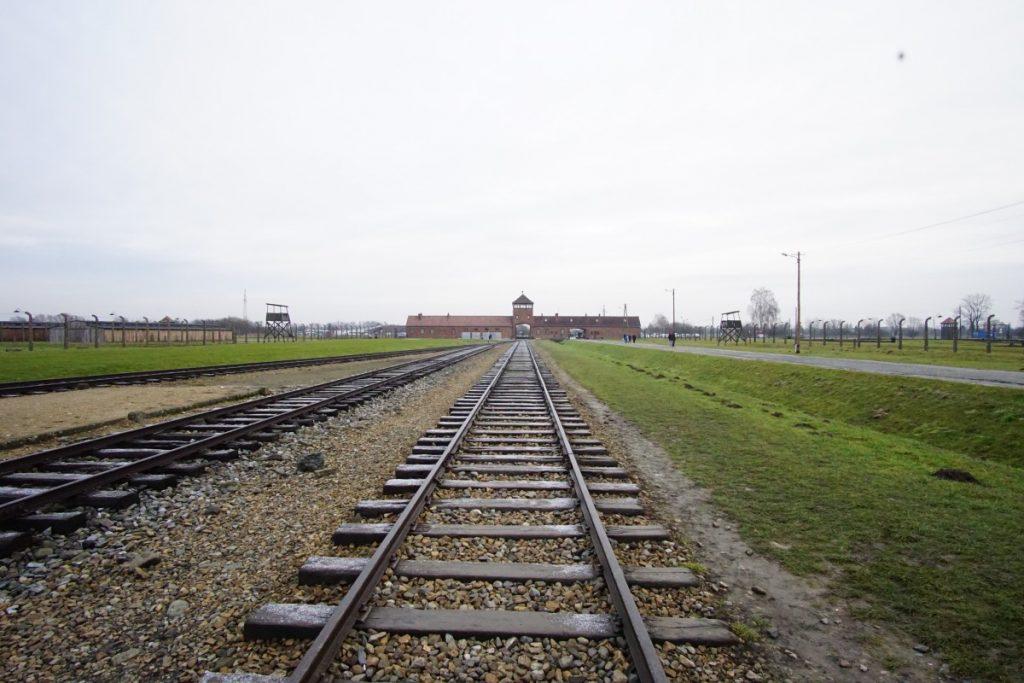 cosa-vedere-nei-dintorni-di-cracovia-treno-birkenau