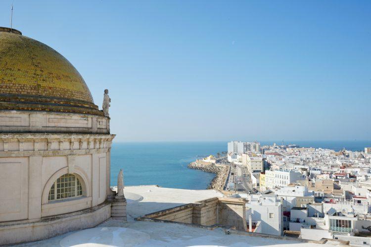 La cattedrale di cadice e la sua famosa cupola oro