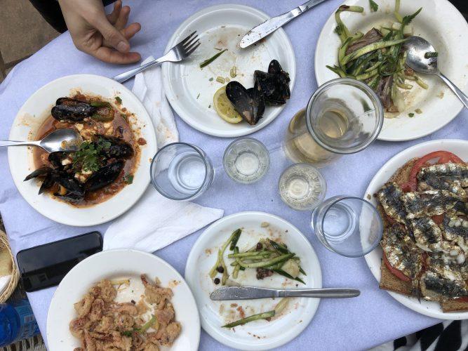 dove-mangiare-ad-atene-pireo-taverna-locale-Yperokeanio-pranzo