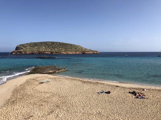 le-spiagge-piu-belle-di-ibiza-cala-compte
