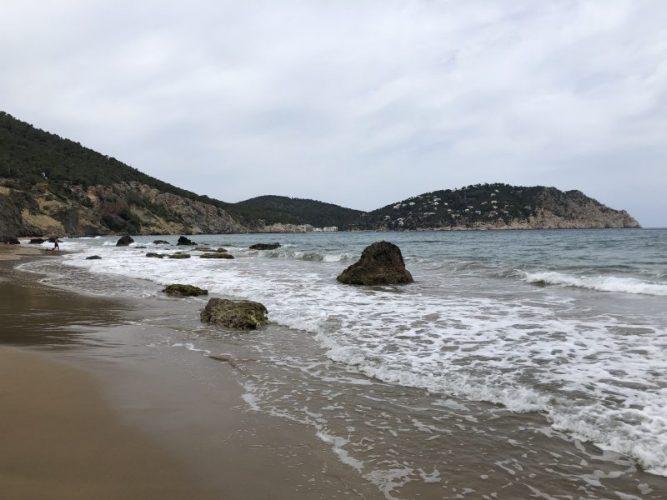 le-spiagge-piu-belle-di-ibiza-cala-de-agua-blanca